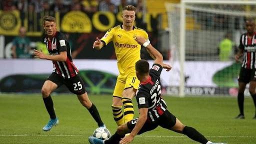 Dortmund buộc phải thắng Frankfurt nếu muốn cạnh tranh top 4